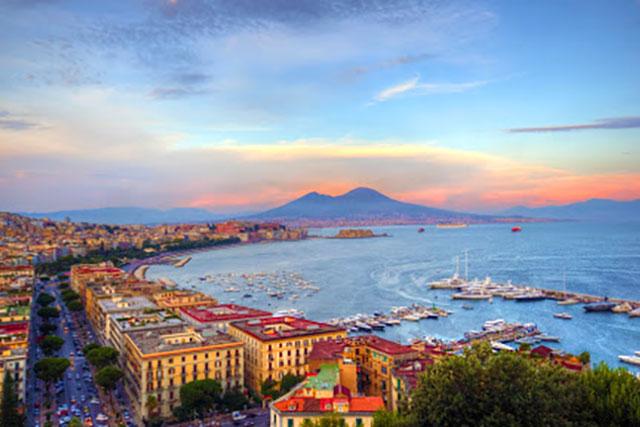 Napoli, la città che incanta